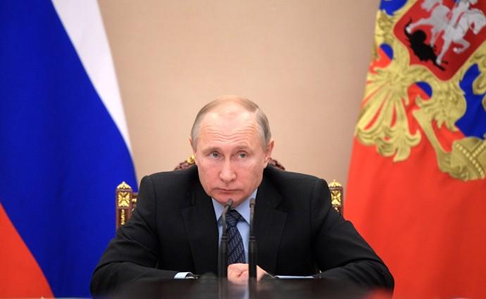 Владимир Путин напоминает о задаче повышения качества жизни людей