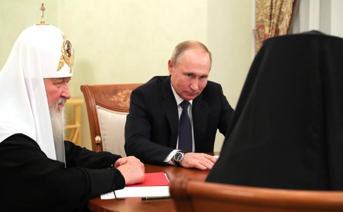 Президент слушает Патриарха Иерусалимского и всея Палестины Феофила III