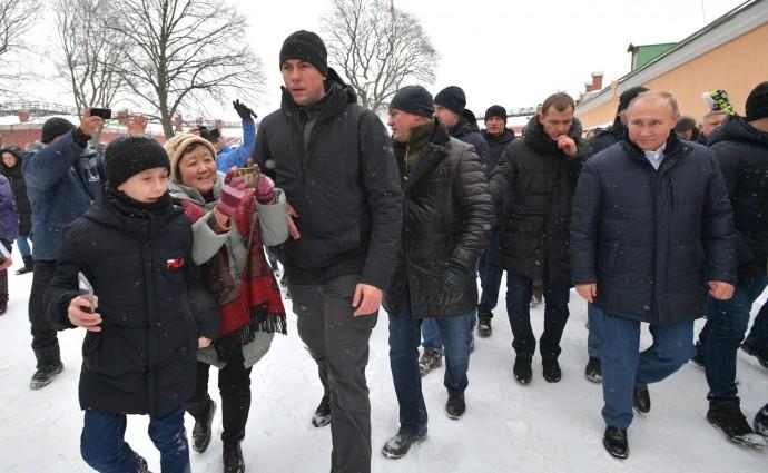 Президент на народных гуляниях в Петропавловской крепости