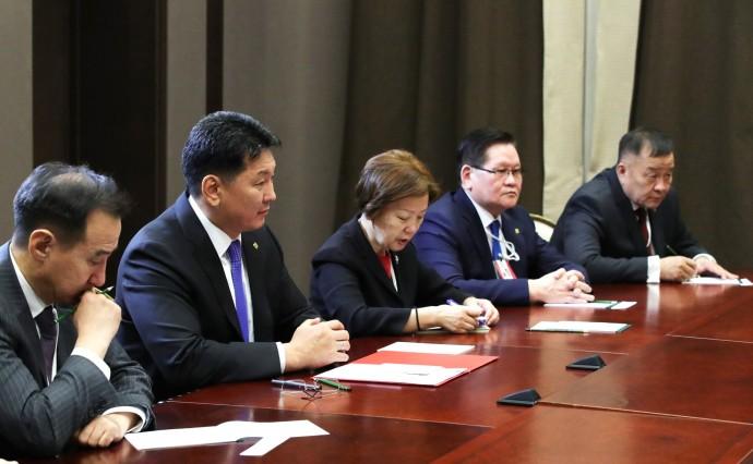 Монгольская сторона на встрече с Владимиром Путиным