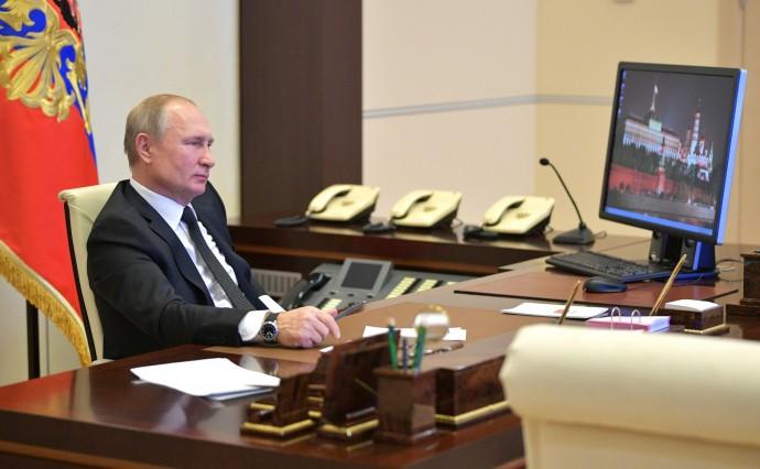 Сколько у Путина телефонов?