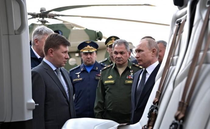 Путину показывают образцы авиатехники