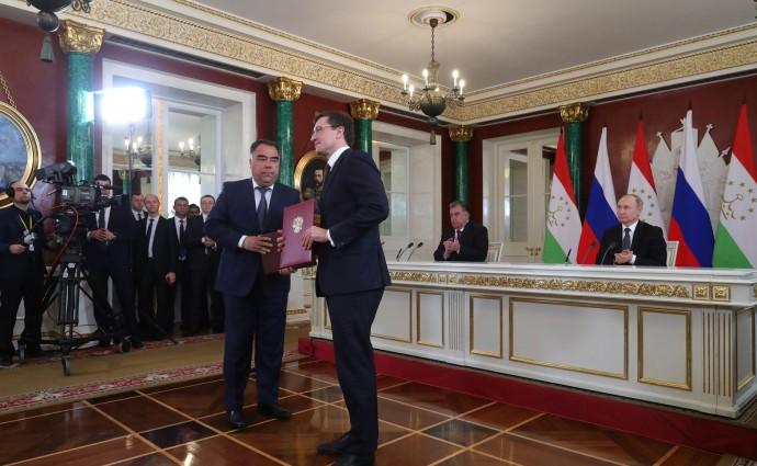 Церемония обмена документами, подписанными в ходе визита