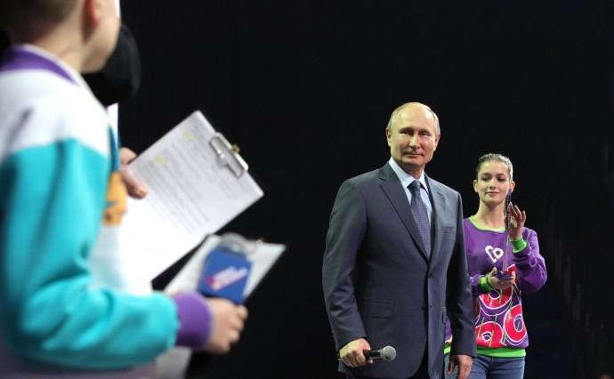 На церемонии награждения победителей всероссийского конкурса «Доброволец России – 2019»