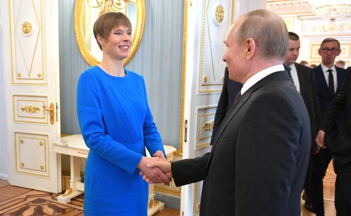 Рукопожатие Владимира Путина и Керсти Кальюлайд