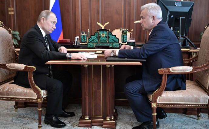 Алекперов рассказывает Президенту об успехах за 2018 год