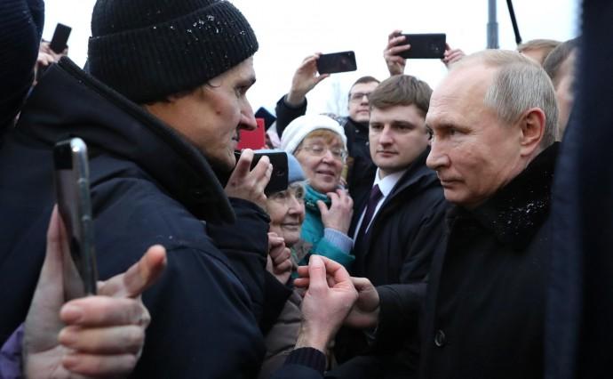 Президент общается с жителями Санкт-Петербурга