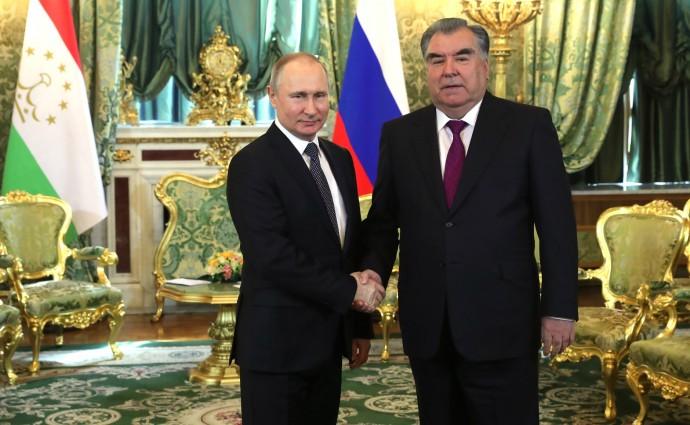 Владимир Путин и Эмомали Рахмон крупным планом