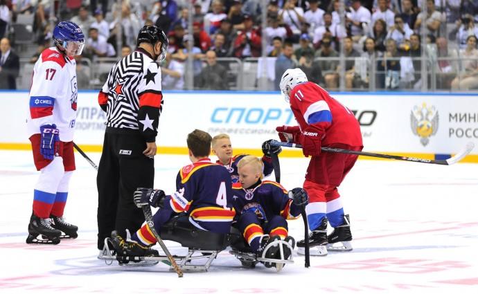 Детская команда по следж-хоккею «Тропик» и Владимир Путин