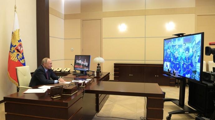 Видео сеанса связи Путина сэкипажем МКС 10 апреля 2020 года