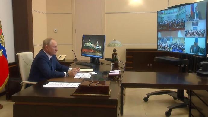 Видео со встречи Путина счленами паралимпийской команды России 9 августа 2021 года