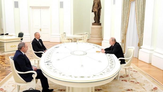 Видео со встречи Путина сИльхамом Алиевым иНиколом Пашиняном 11 января 2021 года