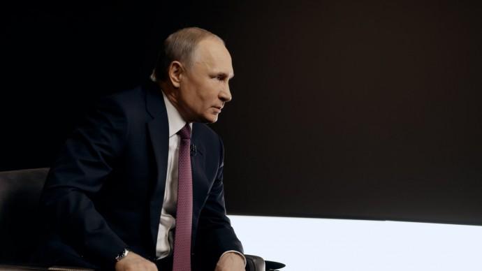Видео: Владимир Путин о  резонансных делах, Росгвардии и разгонах митингов (интервью ТАСС)