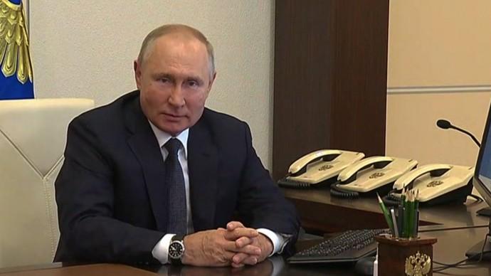 Видео: Владимир Путин проголосовал навыборах депутатов Государственной Думы 17 сентября 2021 года