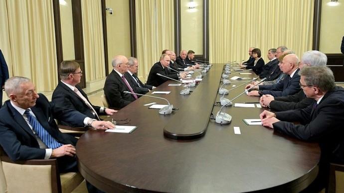 Видео встречи Путина ссудьями Конституционного Суда 12 декабря 2019 года