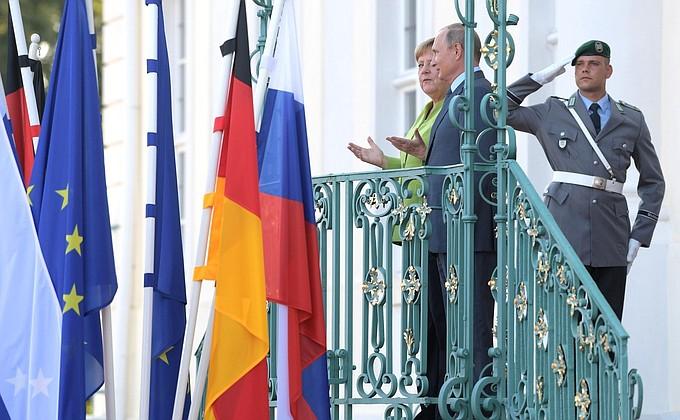 Видео: переговоры Путина и Меркель