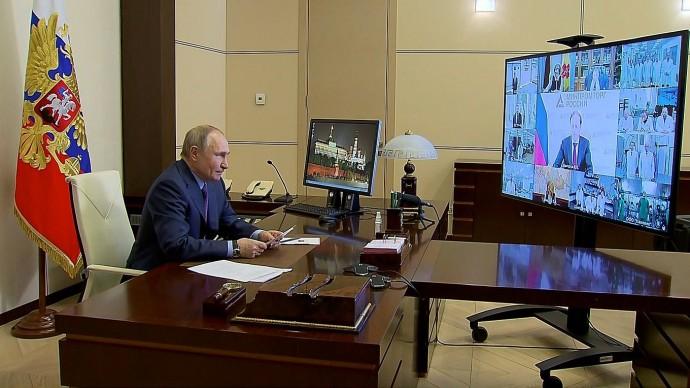 Видео: совещание Путина онаращивании производства вакцин иходе вакцинации 22 марта 2021 года