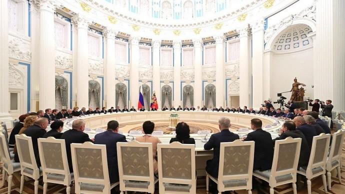 Видео встречи Путина сруководством палат Федерального Собрания 24 декабря 2019 года