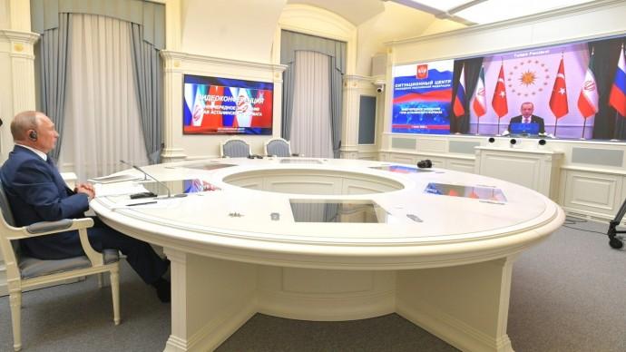 Видео со встречи глав России, Ирана иТурции посирийскому урегулированию 1 июля 2020 года