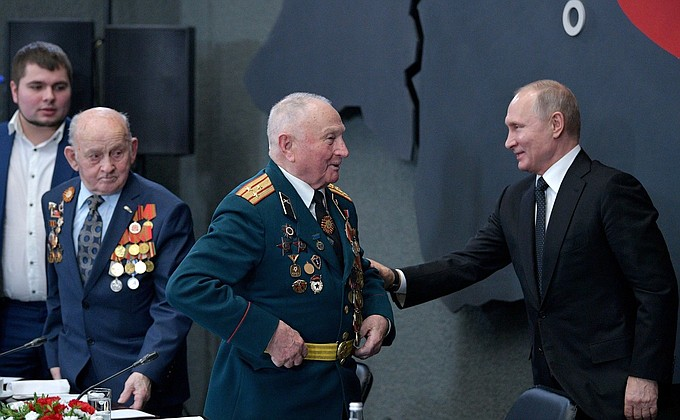 Владимир Путин в музее-панораме «Прорыв»