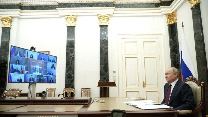 Видео: совещание Путина повопросам социально-экономического развития Крыма иСевастополя 18 марта 2