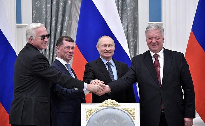 Подписано соглашение между общероссийскими объединениями профсоюзов иработодателей иПравительством